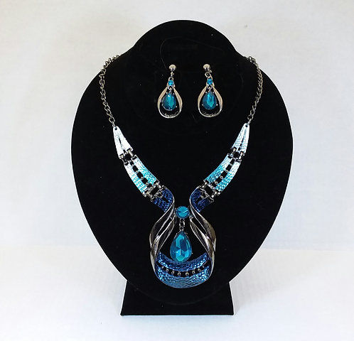 Silver & Blue Necklace Set