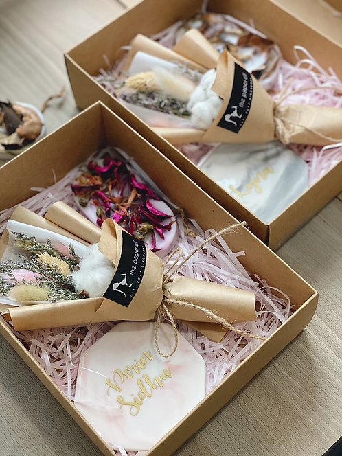 Esylla Gift Box