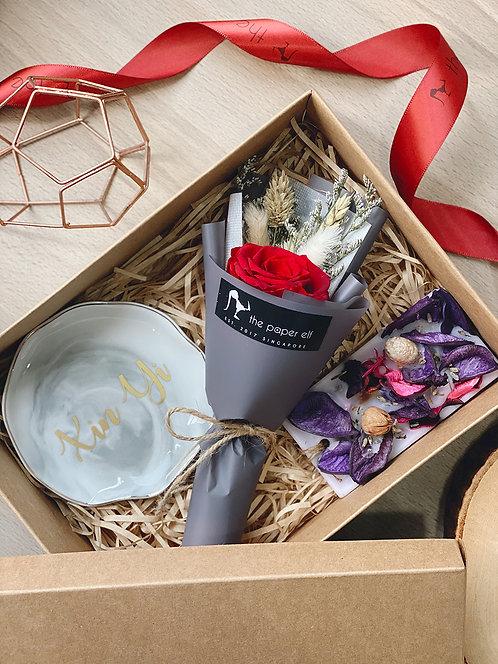 Idyllic Gift Box