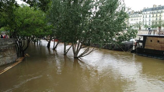 Enchente em Paris_fotos Elisa darriet_ A Viagem Certa 1