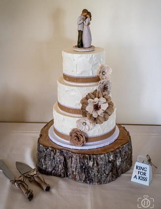 Rustic Vermont Wedding Cake