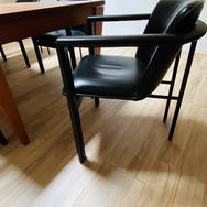 Leolux Cachucha stoelen designed by Hugo de Ruiter