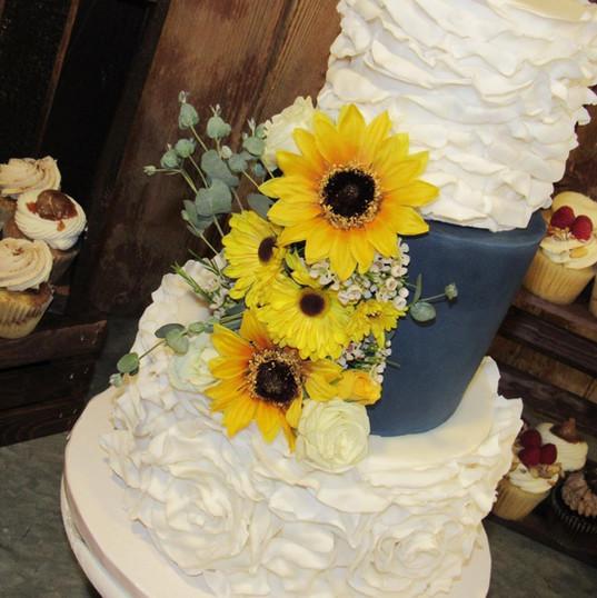 Sunflower Cake.jpg