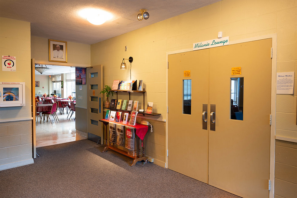 72-Indoor RH entrance corner.jpg