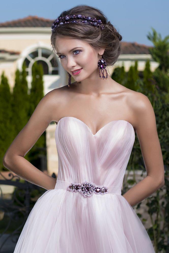 שמלת כלה בצבע ורוד
