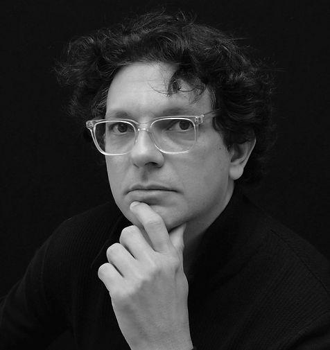 Manny Hernandez, author, photographer, photojournalist, celebrity photographer