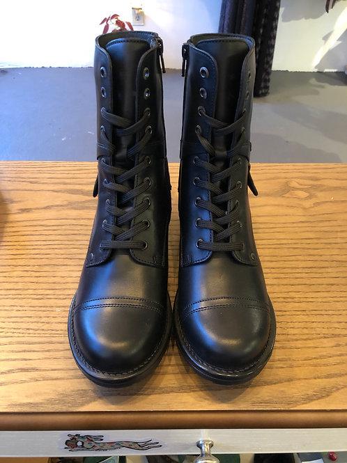 Taos Crave Black Boots