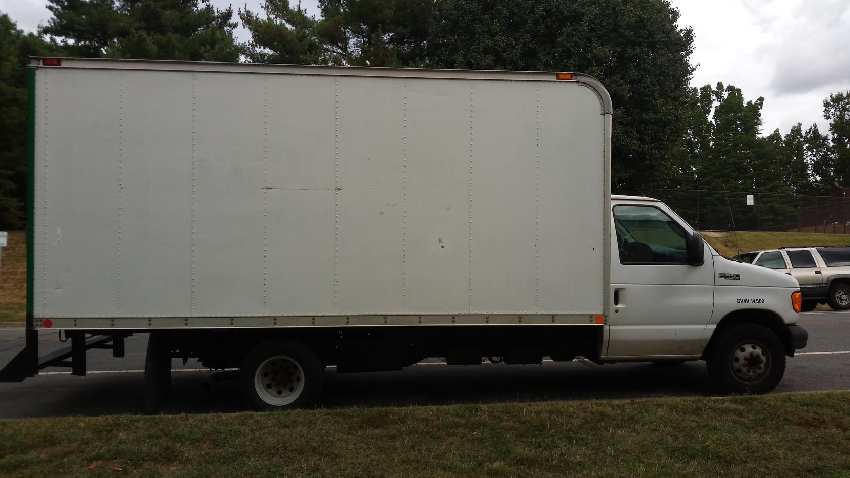 16' Box Truck.jpg