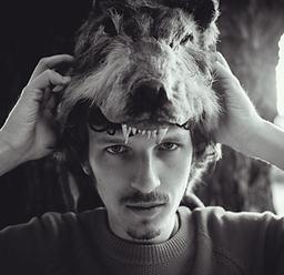 Markus Headshot.png