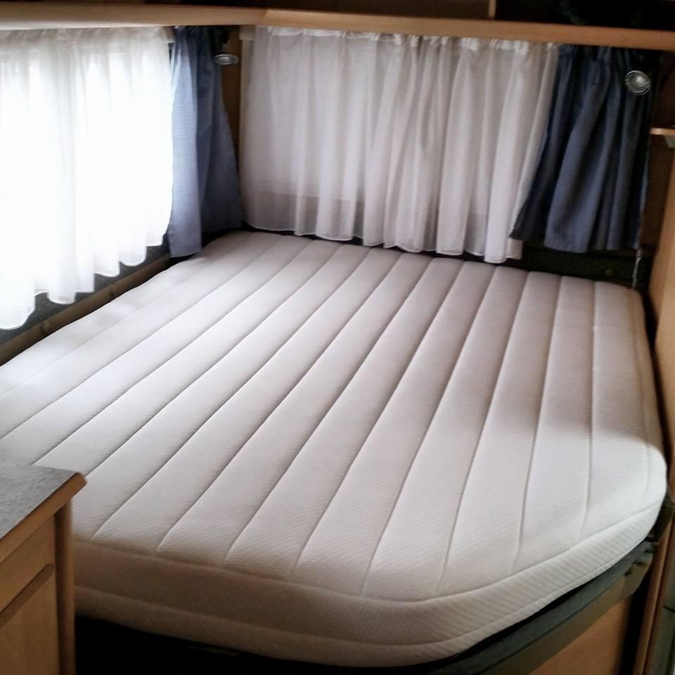 Caravan Matras Frans Bed.Uw Camper Of Caravan Opnieuw Stofferen