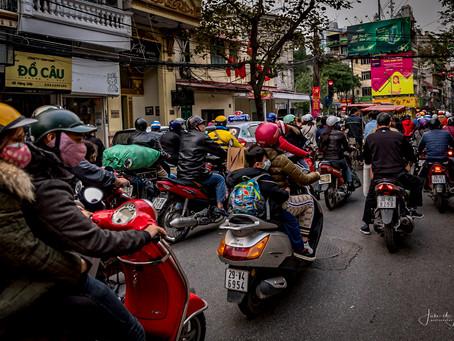 Dag 1/2d Vietnam: Hanoi, de scooters . . .