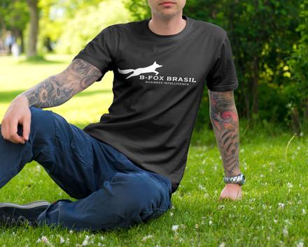 02-tshirt-male-mockup.jpg