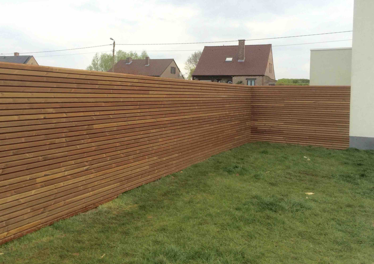 Thermowood grenen blokprofiel tuinafsluiting