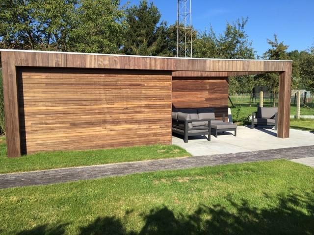 modern poolhouse in padoek .jpg