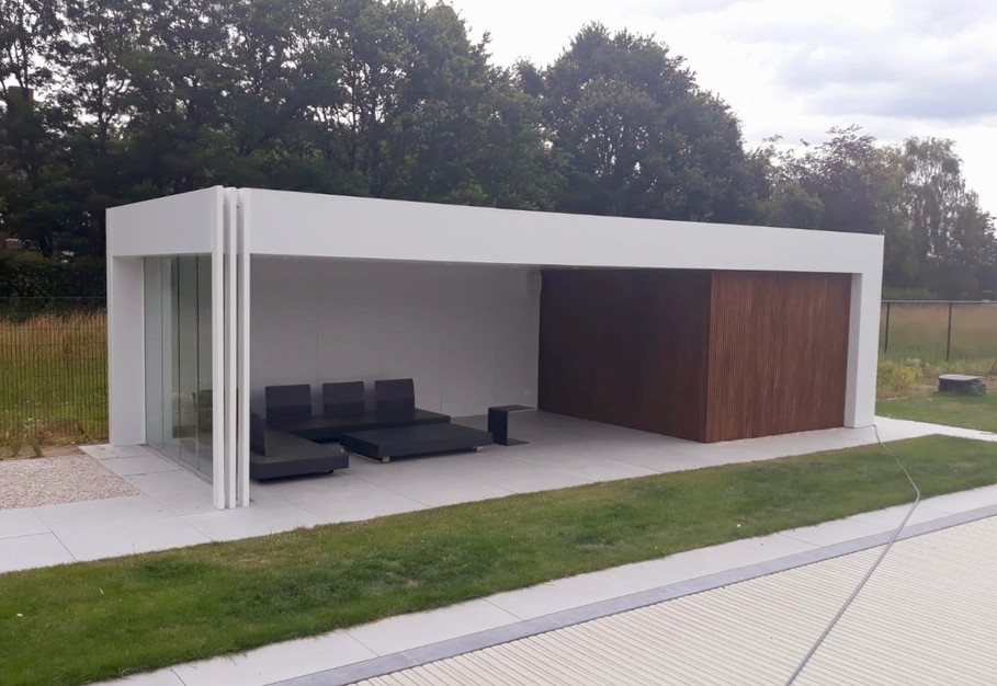 modern poolhouse met thermowood ayous tr
