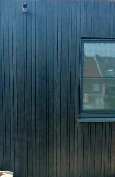 zwart gebeitst houten gevelbekleding .jp