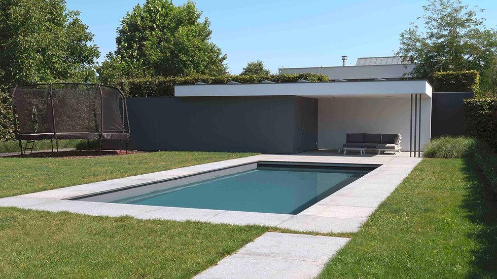 modern poolhouse met crepi en grijze pla