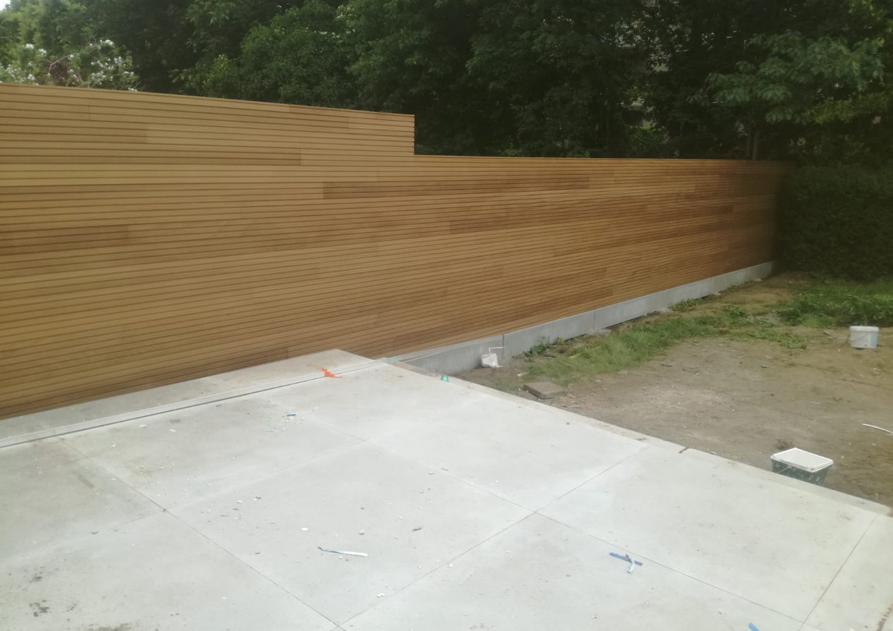 Thermowood ayous triple tuinafsluiting