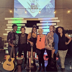 Beautiful night with beautiful people! What could be better_ Tonight could have not been more enchanting! #girlsandguitars #sheplaystowin #a