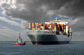 44884697_ContainerShip_70779100 (1).jpg