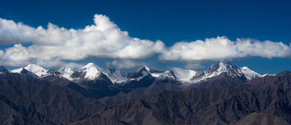 snow peaks - wallpaper.jpg