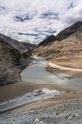 Indus and Zanskar confluence