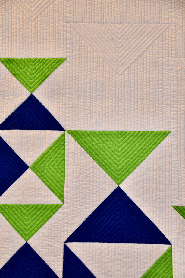 Best Use of Negative Space - MID-CENTURY MOD/MODERN QUILT COMPETITION