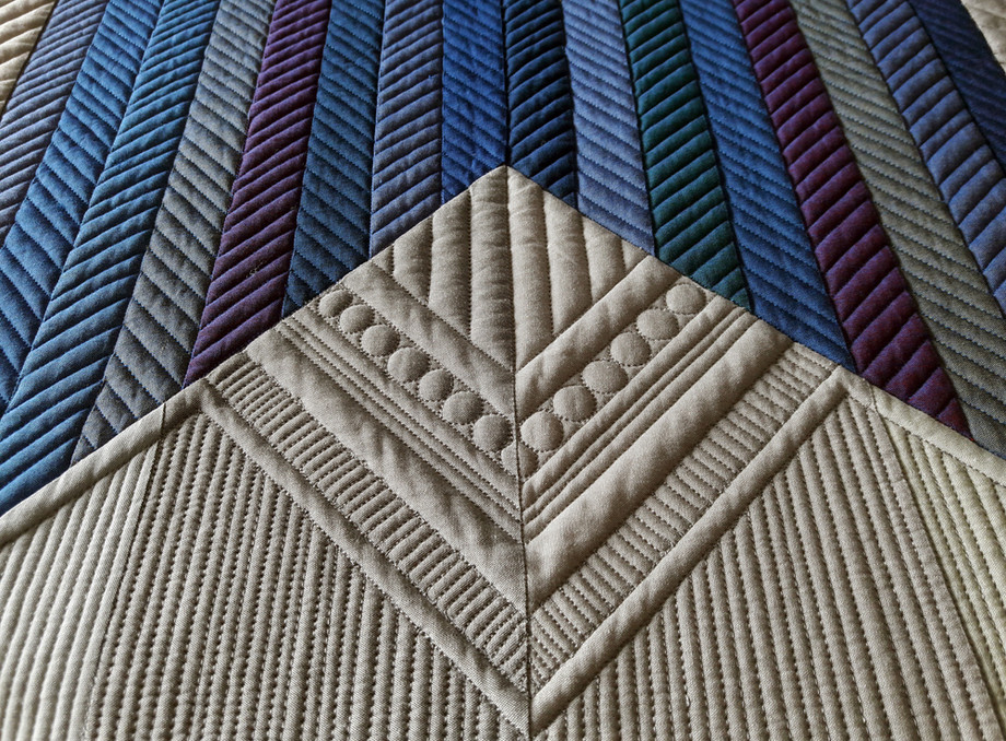 Best Use of Modern Traditionalism - MID-CENTURY MOD/MODERN QUILT COMPETITION