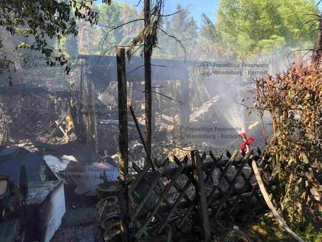 Gartenhaus brennt völlig nieder (01.06.2020)