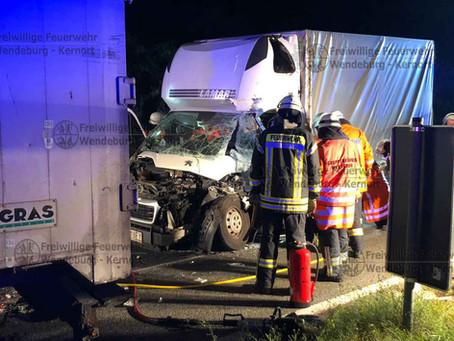 Schwerer Verkehrsunfall - Fahrer eingeklemmt (11.09.2019)