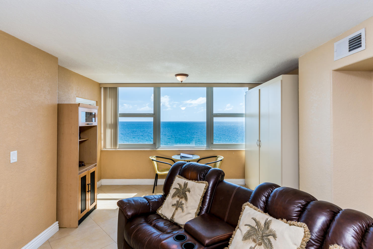 4040 Galt Ocean Dr Unit 500-large-027-35