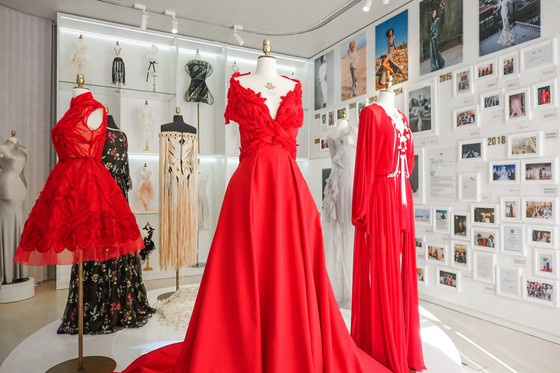 Around the World in 80 Dresses