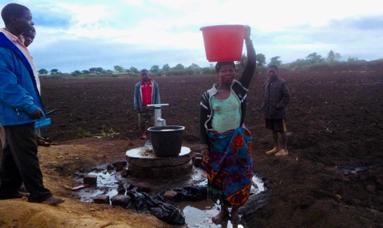 Mozambique: Water Well Built