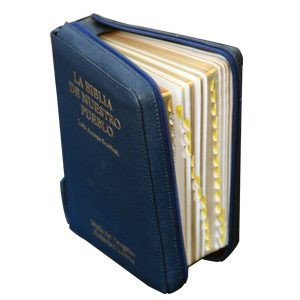 Biblia de Nuestro Pueblo con Estuche