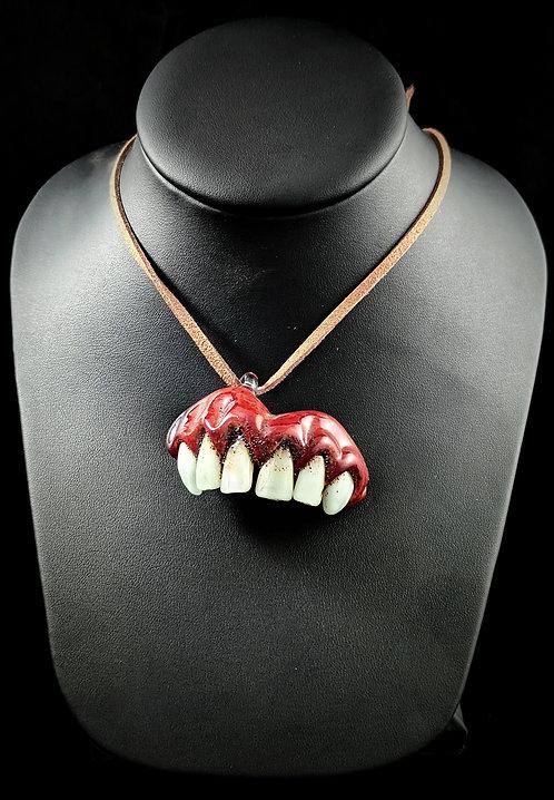 Iroczii - Teeth Pendant