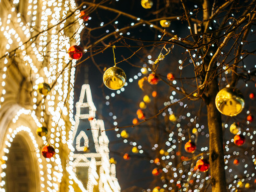 8 Easy Ways to Control Christmas Lights