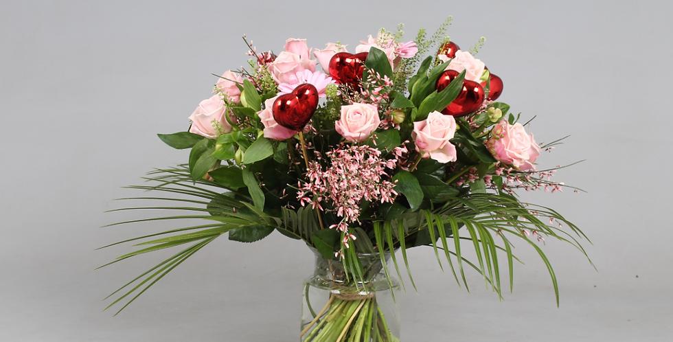 Boeket 'LOVE' roze