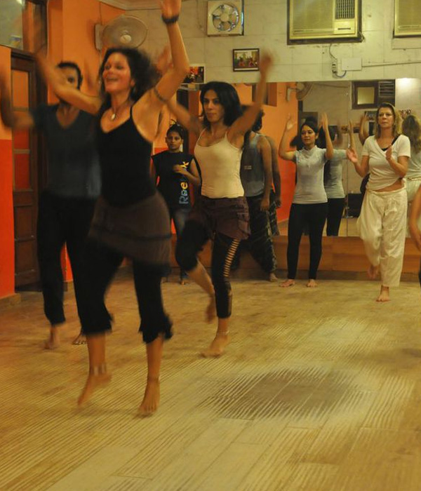 Malaika teaching african dance