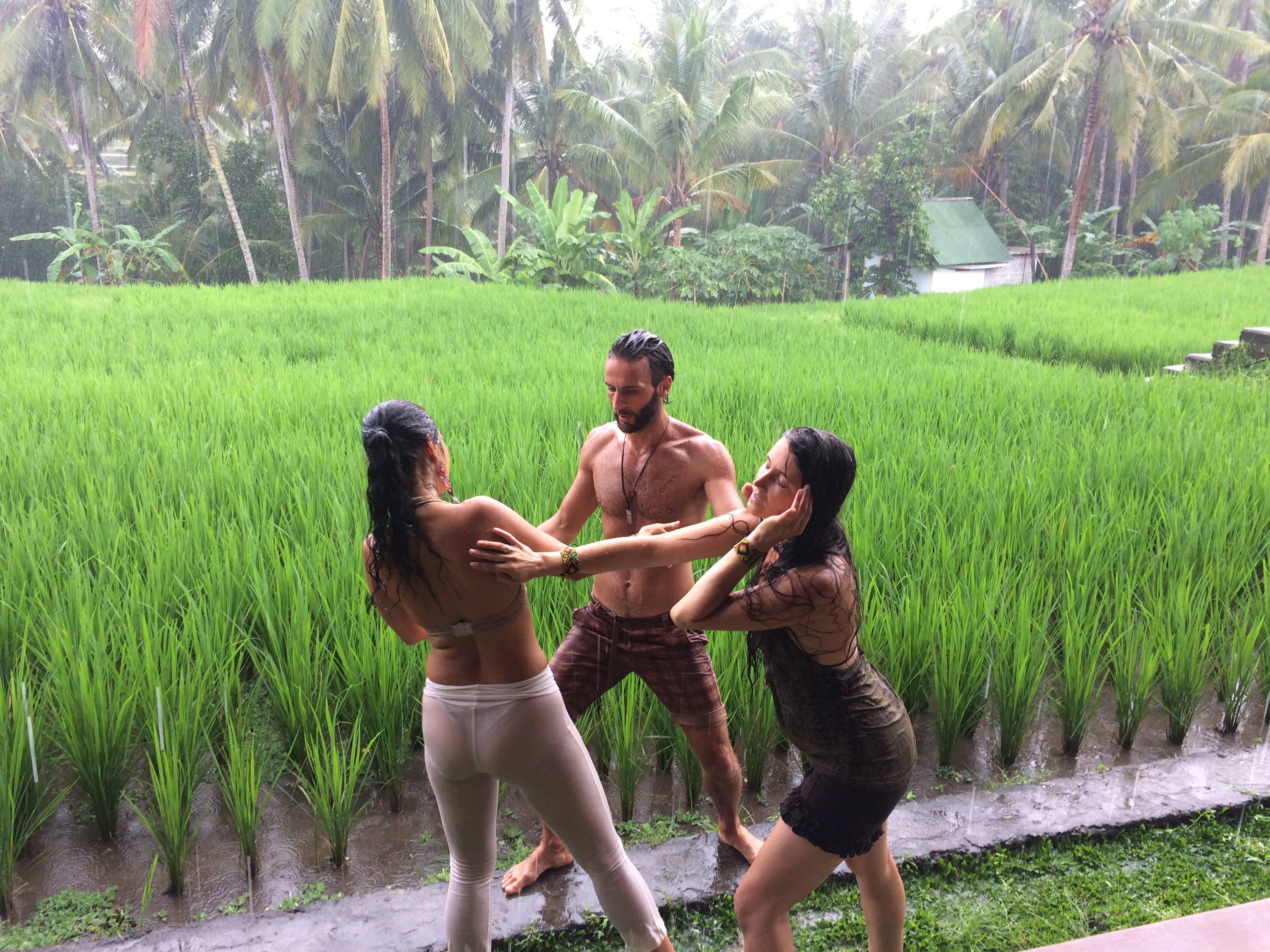 ELEMENTAL SHALLA TRIO in Bali