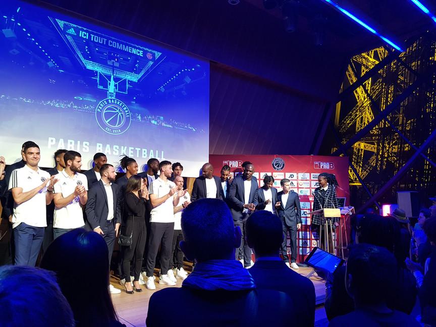 Meet the team Tour Eiffel #Parisbasketball