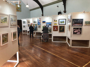 """MP applauds """"fantastic exhibition"""" of Formby artists"""
