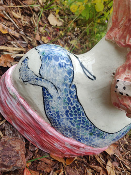 Lady with a dragon tattoo, stoneware and
