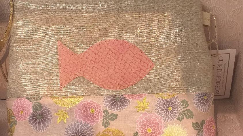 Trousse avec cuir de saumon