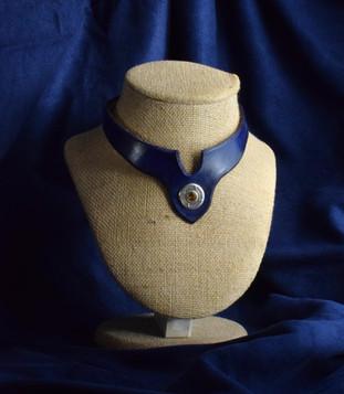 Black Necklace w Stone