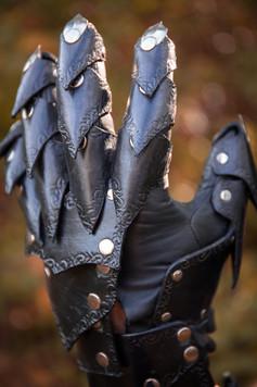 Blade Master Gauntlet