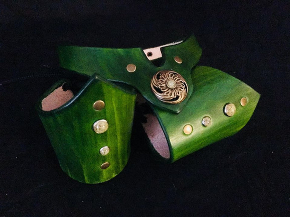 Green V-Cuff & Collar Set