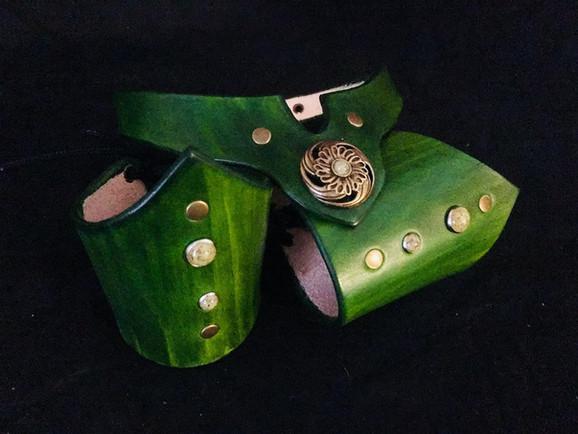 Green V-Cuff & Collar Set