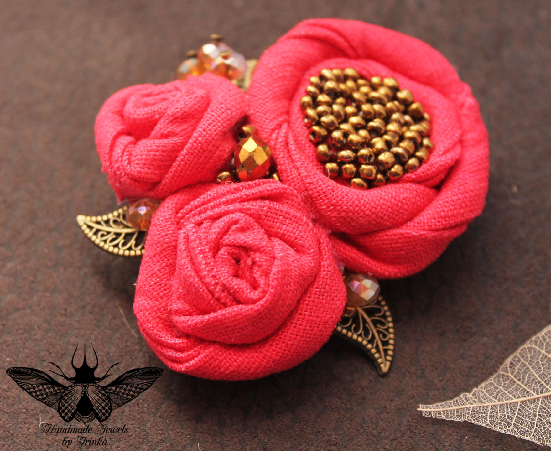 broche fleur tissu et perles