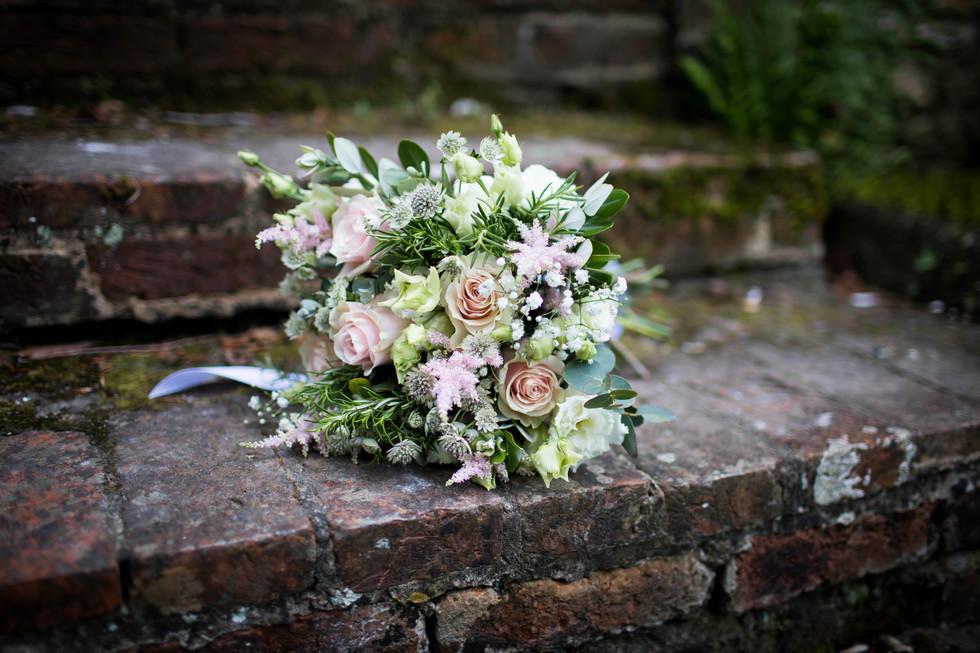 Combe Manor Barn wedding photographer