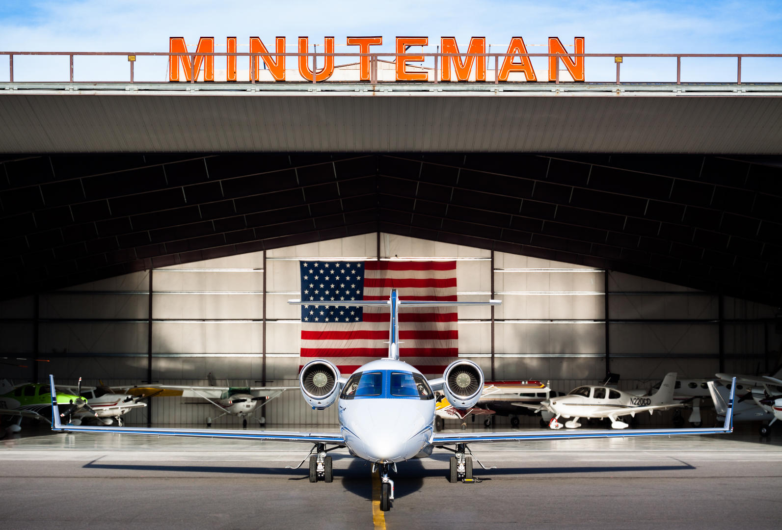 Open Hangar Lear45.jpg